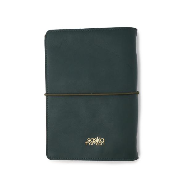 Handgemaakt hervulbaar groen leren journal A5 formaat met elastiek en bloemenprint